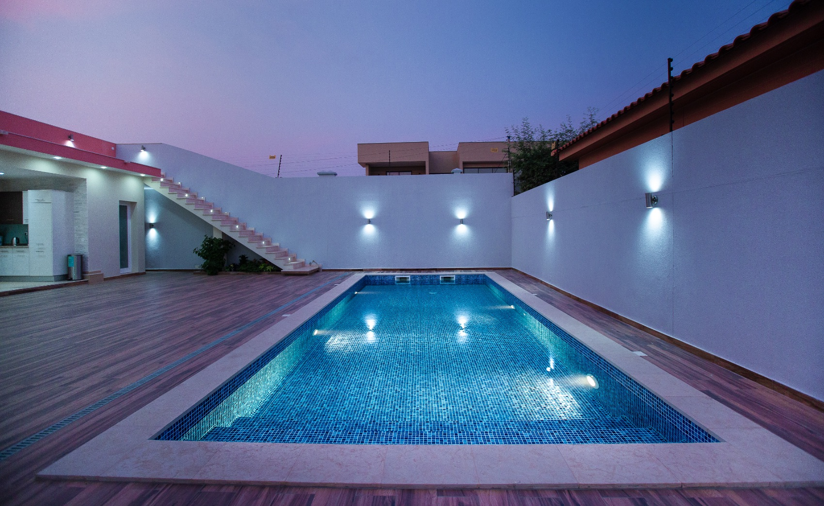 The Importance of having a well-lit swimming pool